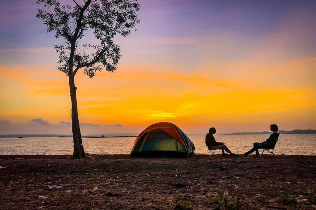 Cắm Trại Hồ Trị An - Thế Giới Túi Ngủ