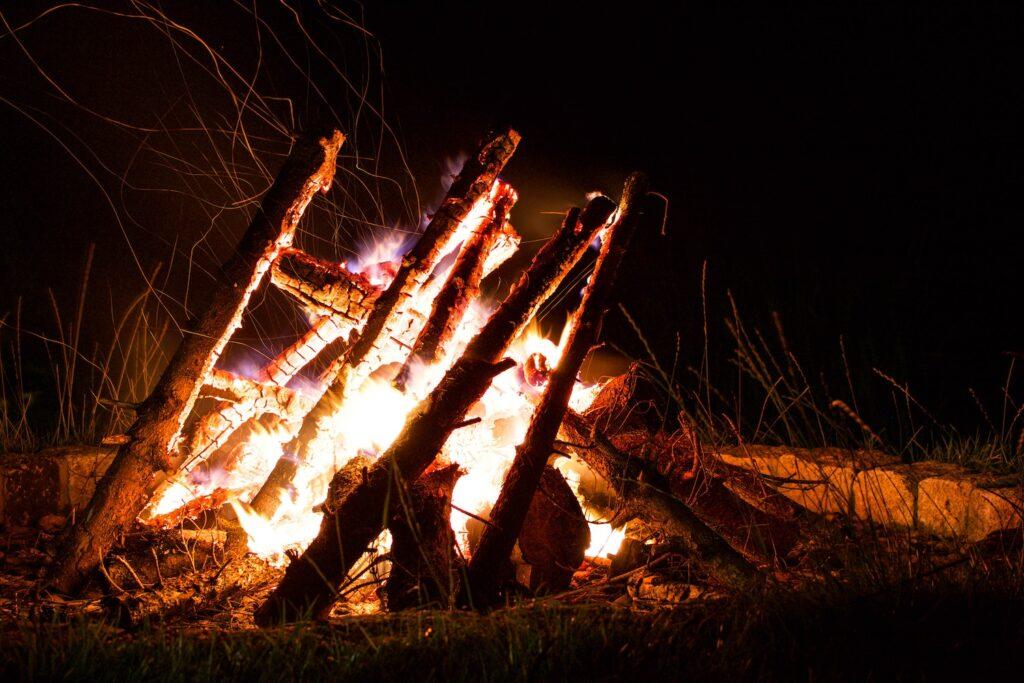 Có thể dùng socola để tạo lửa nữa đấy!
