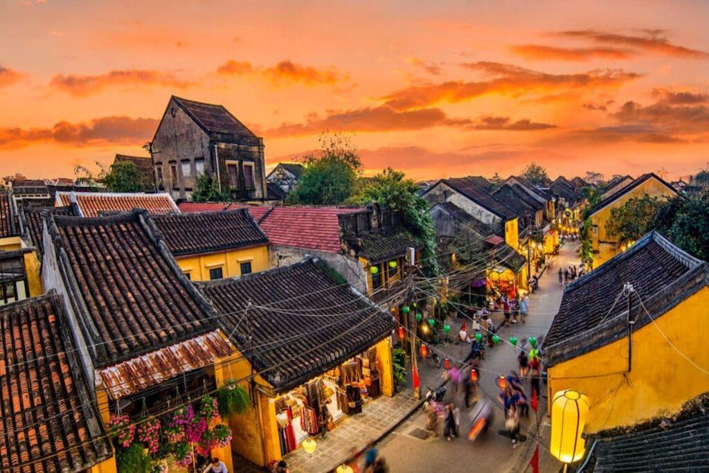 Vẻ đẹp dung dị của phố cổ Hội An - kỳ quan văn hoá thế giới Nguồn: Luyến Nguyễn - Vntrip